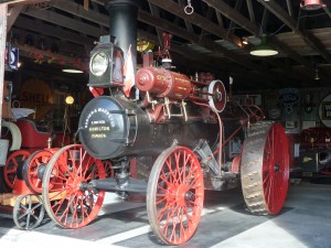 Traction engine at the Horseless Carriage Museum between bobcaygeon and Fenelon Falls, kawartha lakes, must see attraction, fenelon falls, bobcaygeon kawartha lakes